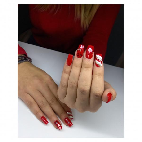 Paznokcie Świąteczna czerwień