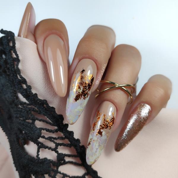 Paznokcie 🍁🍂🍁Paznokcie nude i złoto