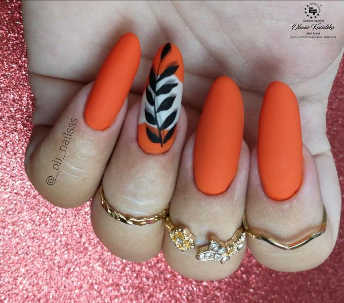 Paznokcie Pomarańczowo z listkiem