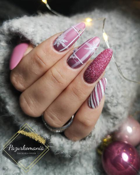 Paznokcie Święta na różowo 😍