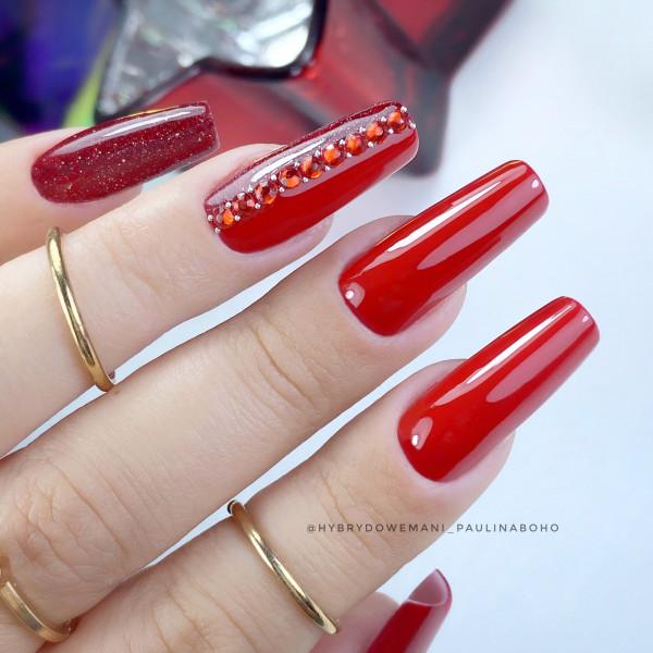 Paznokcie Czerwone eleganckie paznokcie