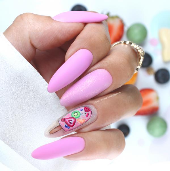 Paznokcie Lody z wody - różowe paznokcie