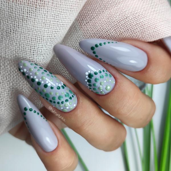 Paznokcie Kropeczki 🟢szare paznokcie