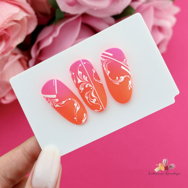 Paznokcie Neonowe ornamenty na paznokciach