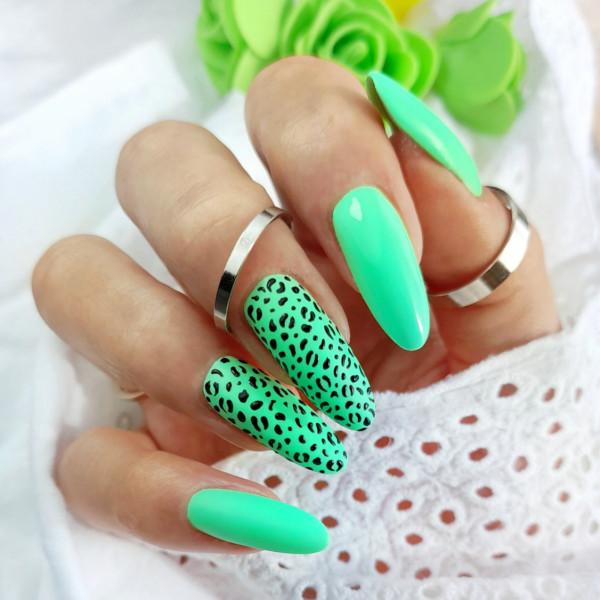 Paznokcie Neonowa pantera na paznokciach