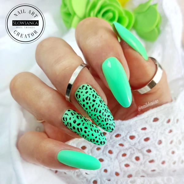 Paznokcie Neonowy zielony na paznokciach