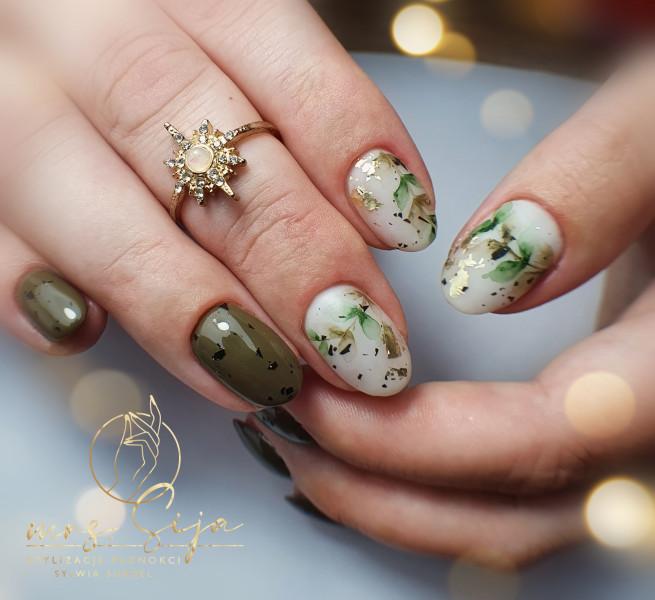 Paznokcie Akwarla - zielone paznokcie