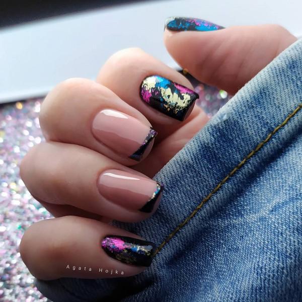 Paznokcie Czarne paznokcie z folią
