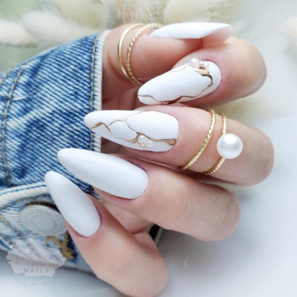 Paznokcie Białe matowe