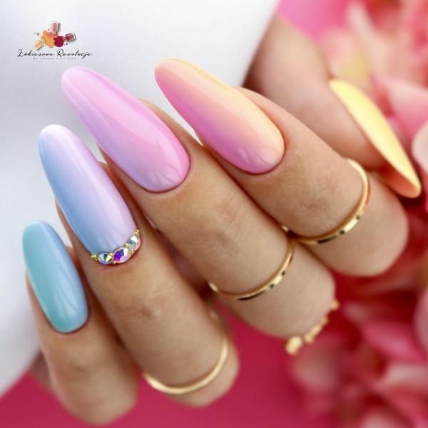 Paznokcie Gradient z błyskiem - ombre na paznokciach