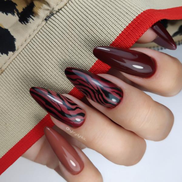 Paznokcie Jesienna zebra na paznokciach 🦓