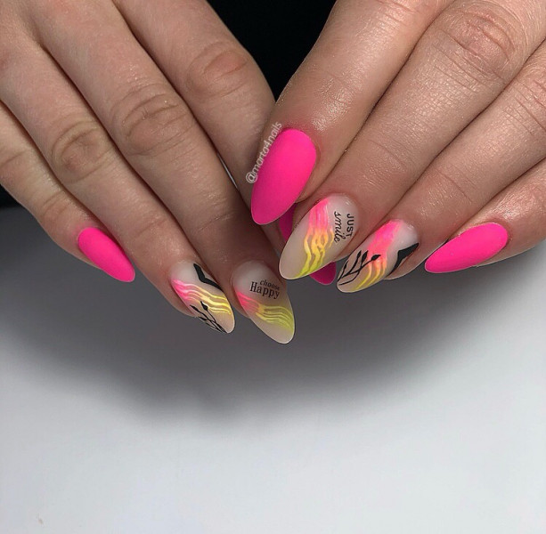 Paznokcie Neonowe różowe