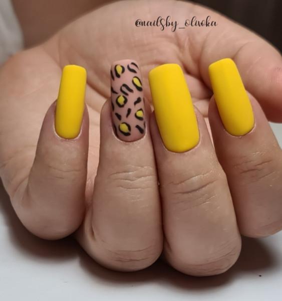 Paznokcie Żółte paznokcie