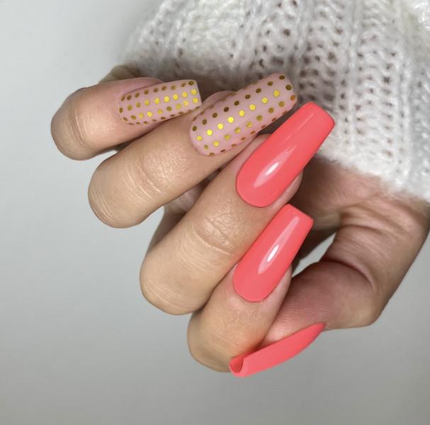Paznokcie Kropeczki na paznokciach