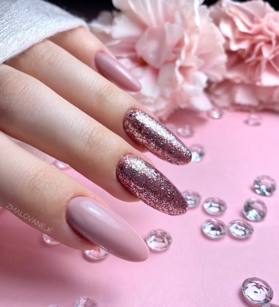 Paznokcie Simple pink nails