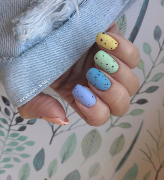 Paznokcie Kolorowe kamyczki