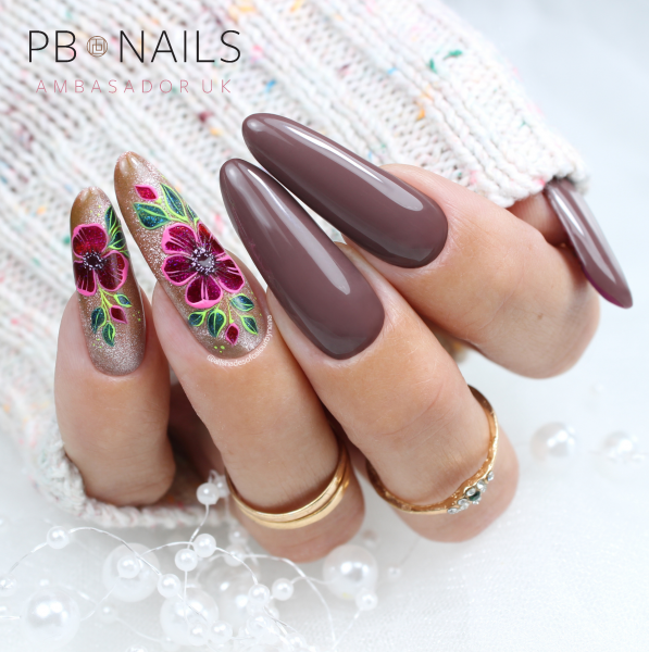 Paznokcie Jesienne kwiaty na paznokciach
