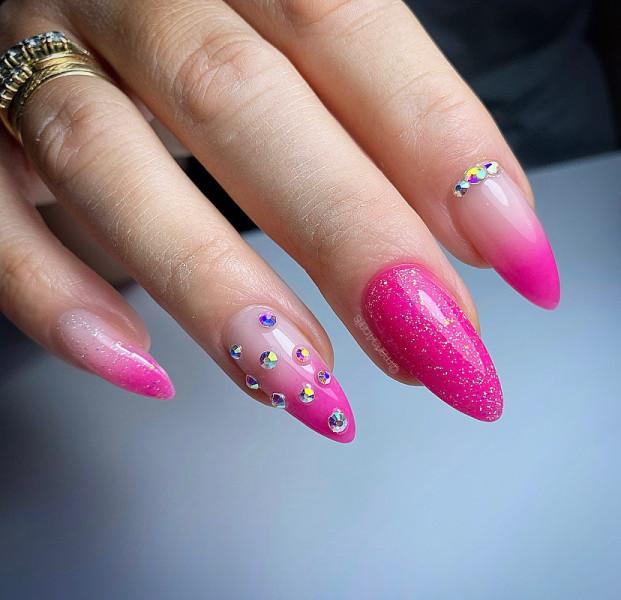 Paznokcie Różowe paznokcie
