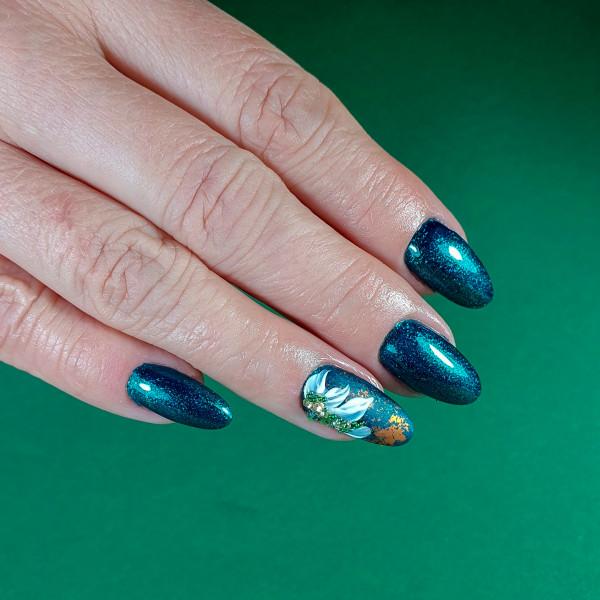 Paznokcie Zielone pazurki z błyskiem