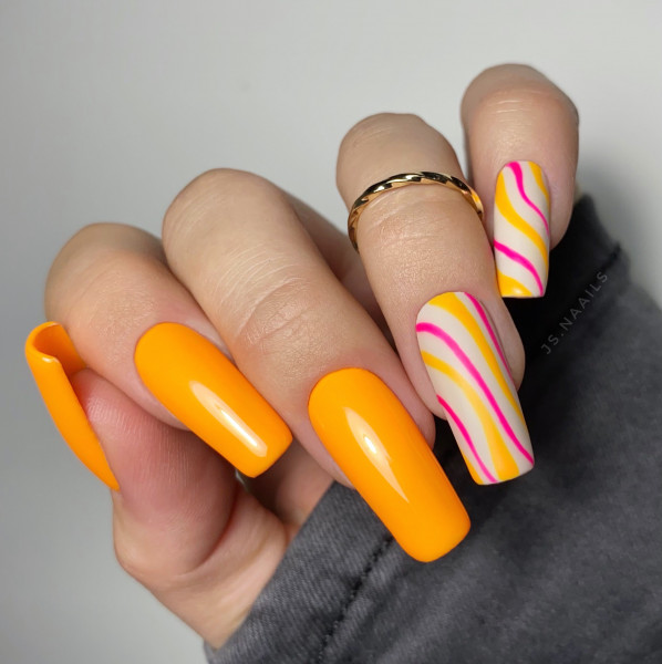 Paznokcie Neon Orange Nails