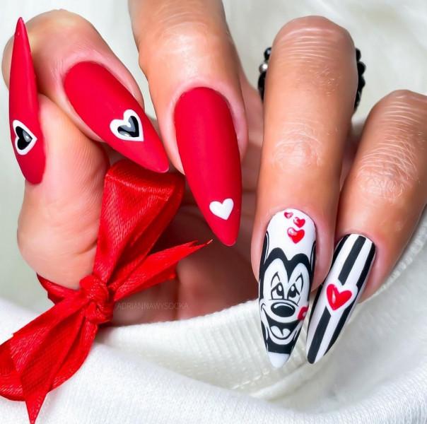Paznokcie Walentynkowa Myszka Miki