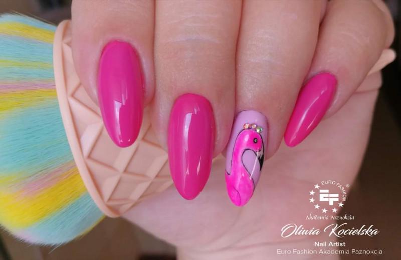 Paznokcie Różowo z flamingiem 🥰