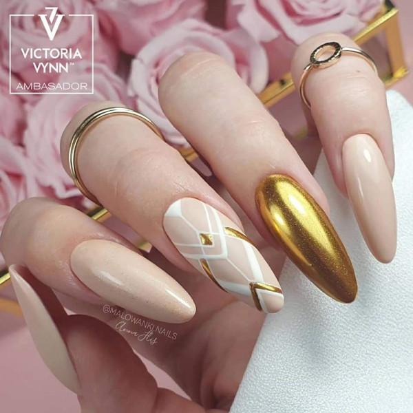 Paznokcie Beżowe złote paznokcie