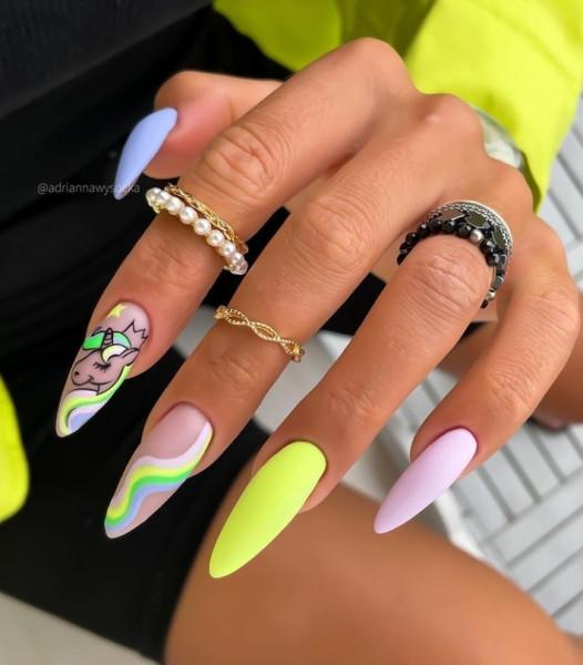 Paznokcie Jednorożec na paznokciach