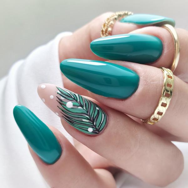 Paznokcie Zielone paznokcie z listkami
